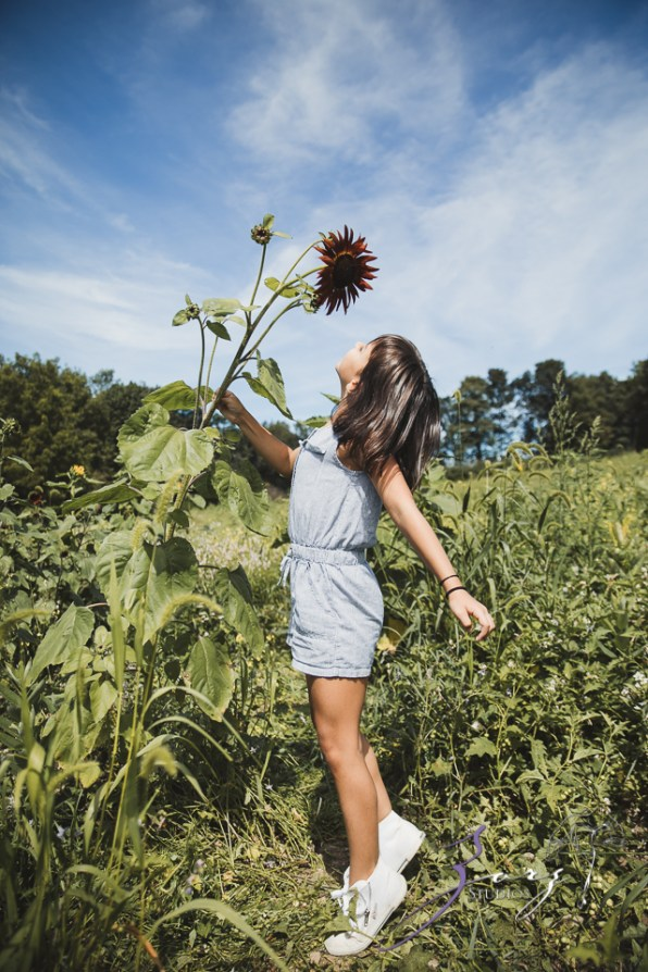 Field Trap: Sunflower Field Photoshoot for Three Families by Zorz Studios (17)