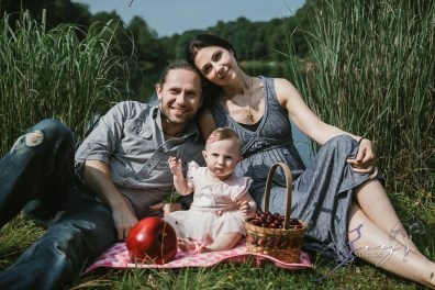 Veyear: Our Baby Girl First Birthday Photoshoot in Poconos by Zorz Studios (25)