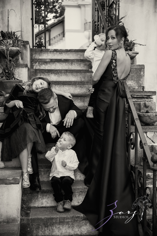 Womansion: Stylish Family Shoot at Vanderbilt Museum by Zorz Studios (13)