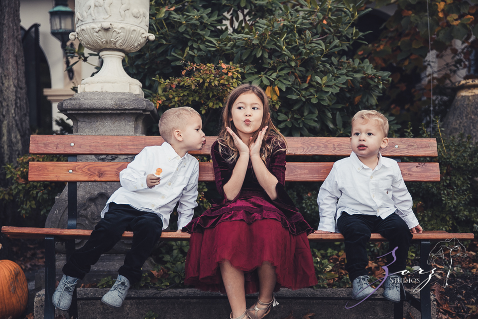 Womansion: Stylish Family Shoot at Vanderbilt Museum by Zorz Studios (24)