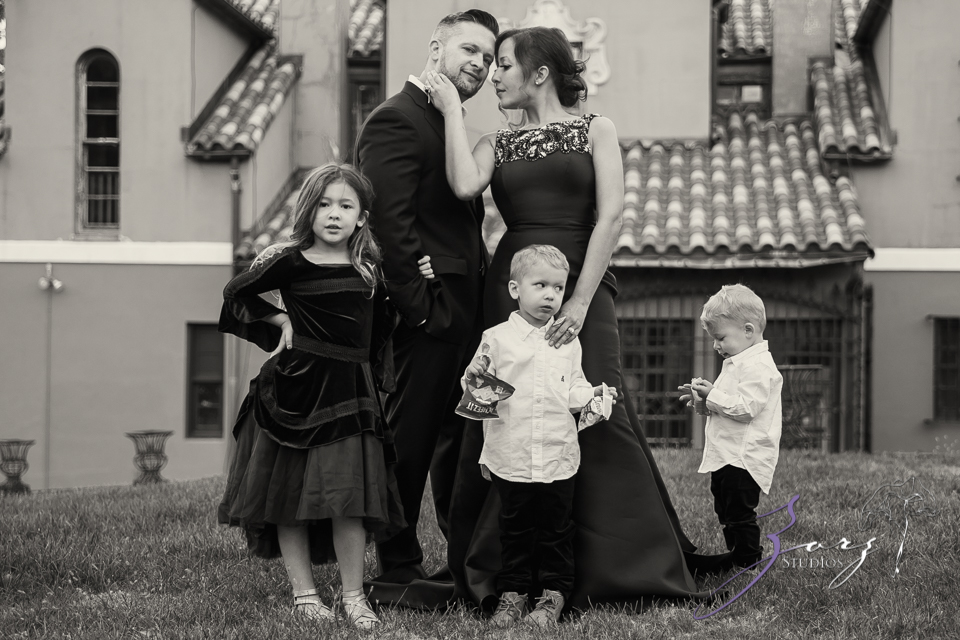 Womansion: Stylish Family Shoot at Vanderbilt Museum by Zorz Studios (3)
