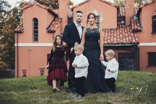 Womansion: Stylish Family Shoot at Vanderbilt Museum by Zorz Studios (20)