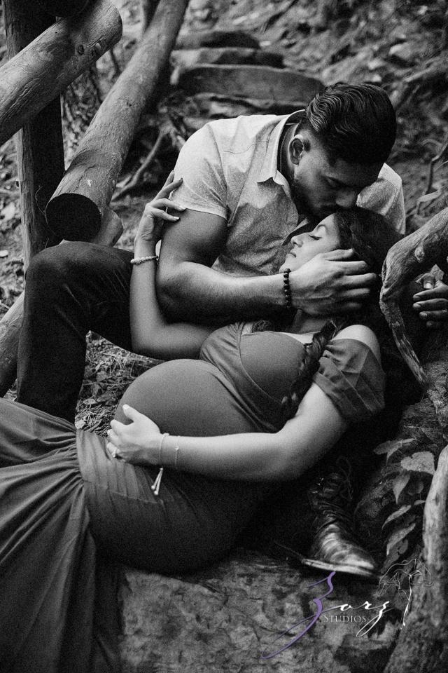 Bhaaloo: Maternity Session by Raymondskill Falls by Zorz Studios (8)