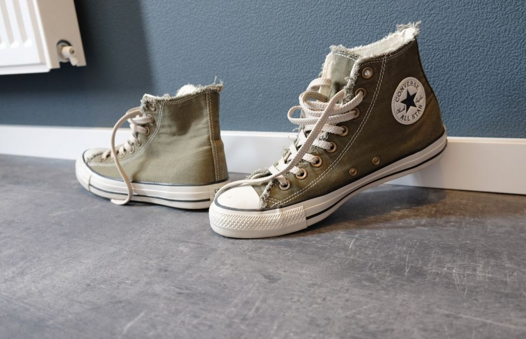 Converse olive green