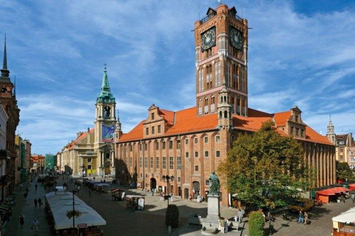 z13214640V,Torun-stare-miasto--Torunski-ratusz-to-unikatowa-g