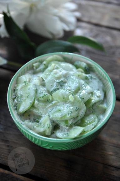 Zdjęcie - Mizeria z cebulą - Przepisy kulinarne ze zdjęciami