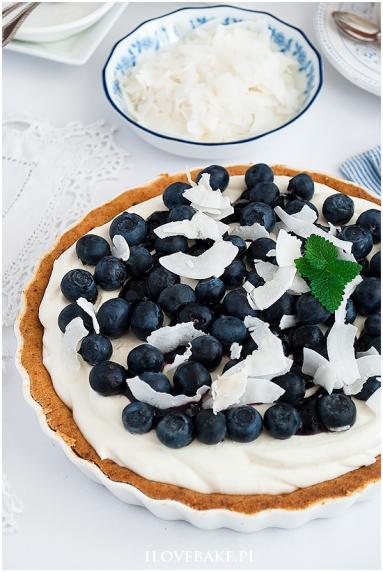 Zdjęcie - Tarta z borówkami i białą czekoladą - Przepisy kulinarne ze zdjęciami