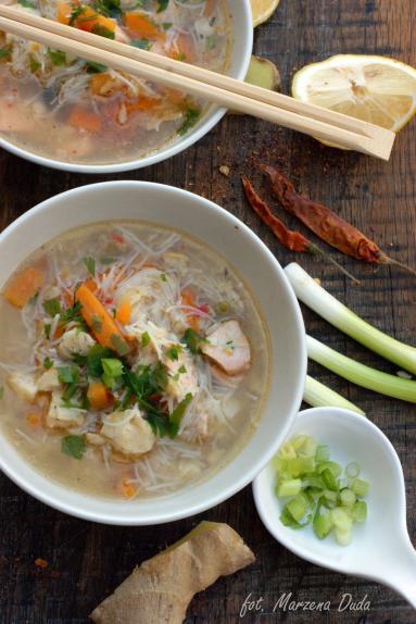 Zdjęcie - Zupa rybna po tajsku - Przepisy kulinarne ze zdjęciami