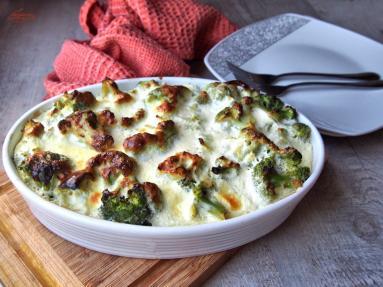Zdjęcie - Ryba z brokułami w sosie chrzanowym - Przepisy kulinarne ze zdjęciami