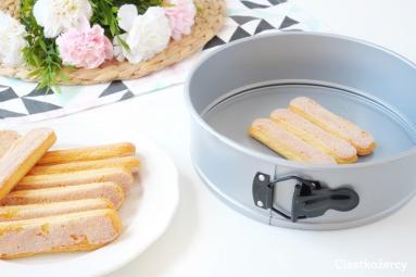 Zdjęcie - Sernik truskawkowy - Przepisy kulinarne ze zdjęciami