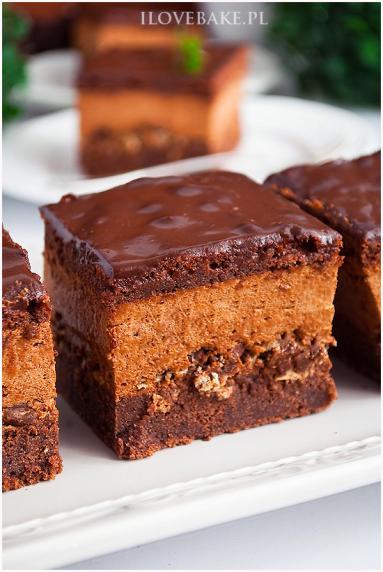 Zdjęcie - Ciasto z musem czekoladowym i wafelkami - Przepisy kulinarne ze zdjęciami