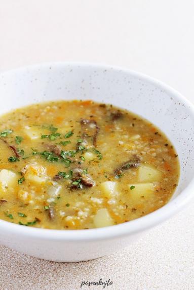 Zdjęcie - Krupnik z grzybami - Przepisy kulinarne ze zdjęciami
