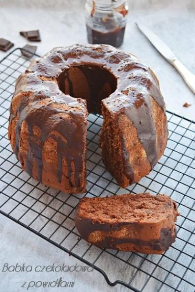 Zdjęcie - Ciasto czekoladowe z powidłami - Przepisy kulinarne ze zdjęciami