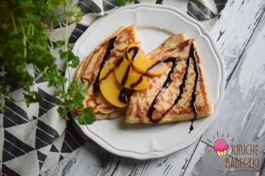 Zdjęcie - Podsmażane naleśniki z serem i brzoskwinią - Przepisy kulinarne ze zdjęciami