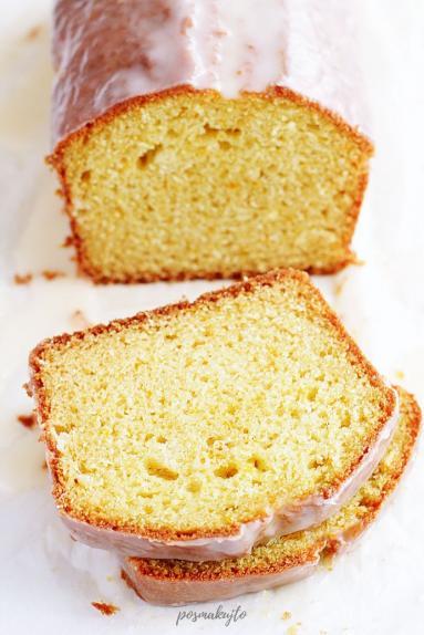 Zdjęcie - Proste ciasto pomarańczowe - Przepisy kulinarne ze zdjęciami