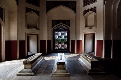 Tomb's inside the Humayum's Maqbara