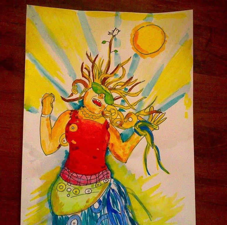 Veselá silnější žena kreslená fixem se raduje z léta - září za ní slunce. Celá kresba je velice jednoduchá a barevná.