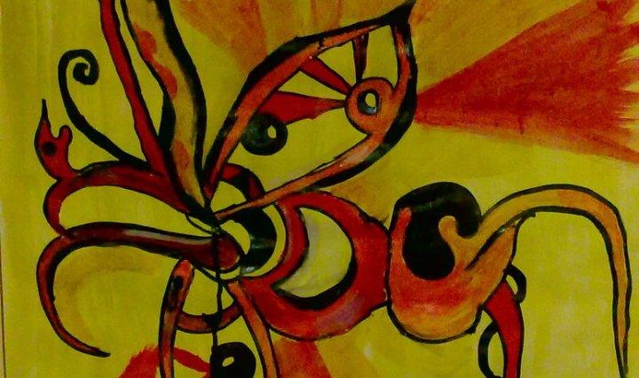 Malba ornamentního motýla na oranžovožlutém pozadí.