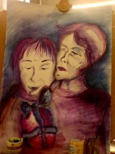 Velká malba malého dítěte, dárku a starší ženy, která stojí za dítětem.