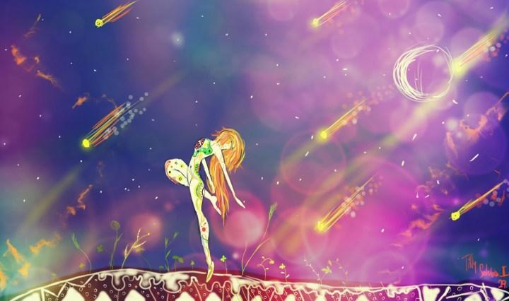 Zrzavá figurka stojí na zemi, z které rostou lístky, v pozadí tmavě modrofialové nebe s asteroidy a měsícem.