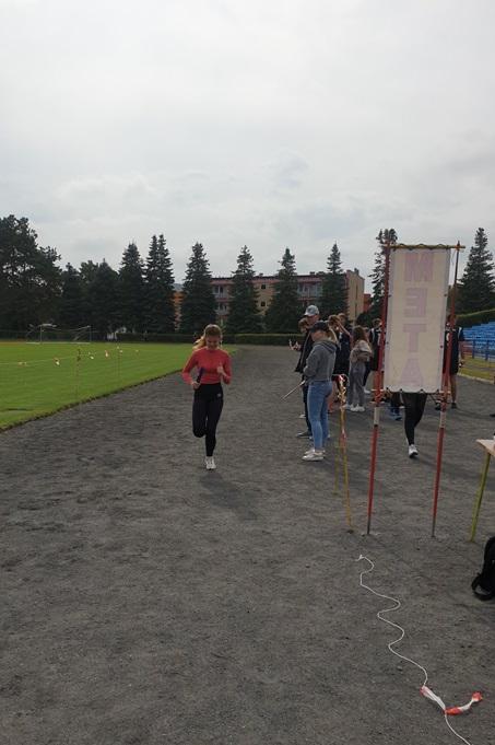 Międzypowiatowe zawody w sztafetowych biegach przełajowych
