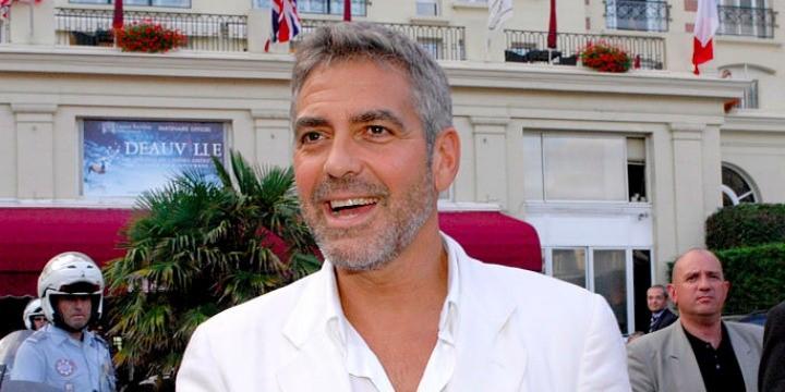 George Clooney lesz a Simon Pereszről szóló dokumentumfilm narrátora
