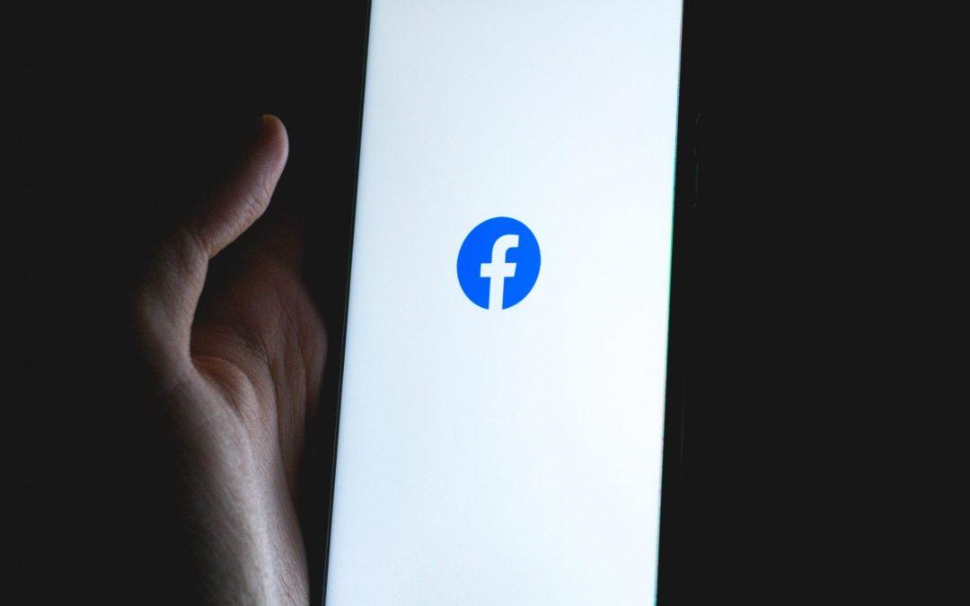 Pánik a social média világában, segítünk több lábon állni!