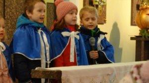 Filip, Hania i Michał recytują wiersze