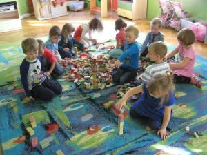 Zabawy konstrukcyjne klockami