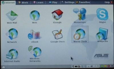 A interface gráfica do eeePC. Os ícones estão divididos por tarefas