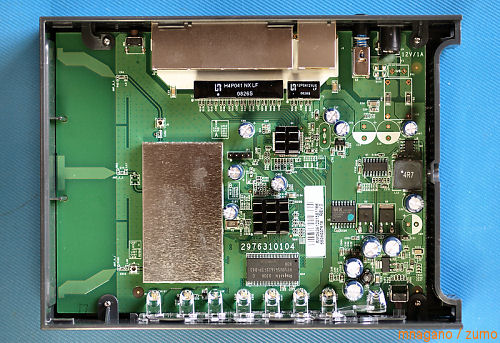 netgear_wnr2000_inside_small
