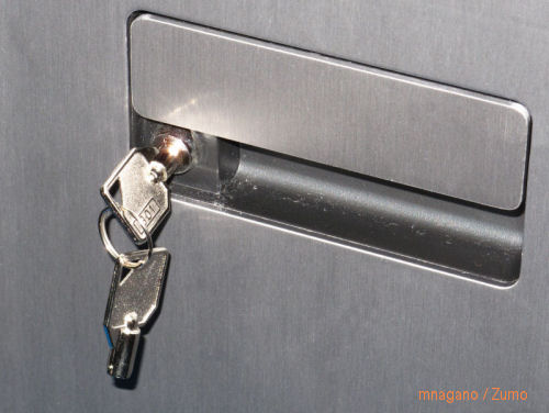 HP_Z600_key_lock_small