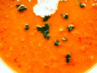 Leichte Paprika Tomaten Ingwer Creme Suppe