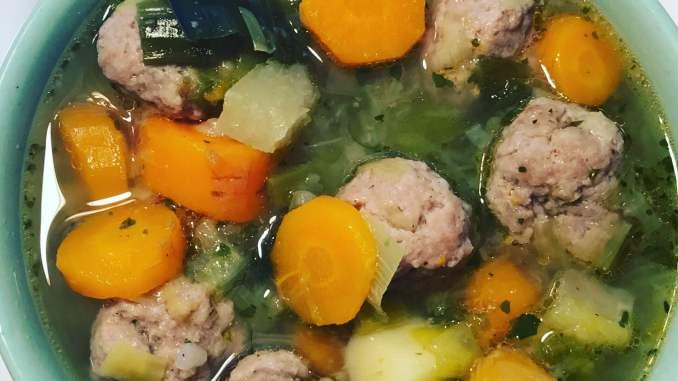Gemüse Eintopf mit Fleischbällchen