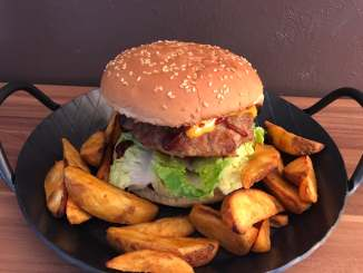 The Best Big Ananas Cheese Burger