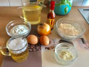 Zutaten Onion Rings im Bier Teigmantel mit Sour Cream