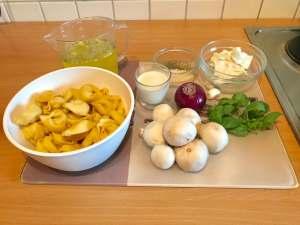 Zubereitung Frische Tortellini in einer Cremigen Champignon Soße