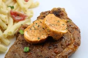 Rauchige BBQ Knoblauch Kräuterbutter für deine nächste Grillparty