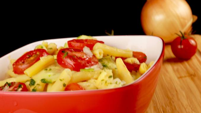 Einfach und Lecker Omas Bohnen Gurken Tomaten Salat
