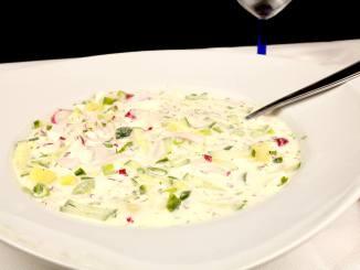 Okroschka eine kalte russische Suppe