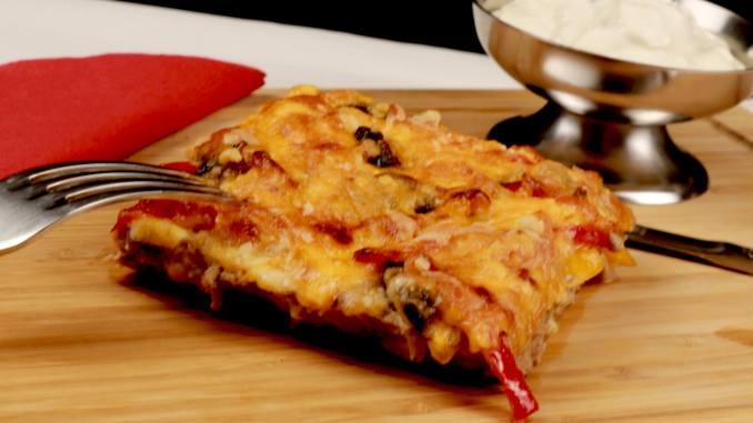Serviervorschlag BBQ Hackfleisch Pizza