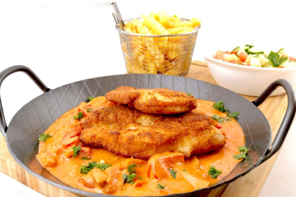 Hähnchen Schnitzel mit Paprika Sauce