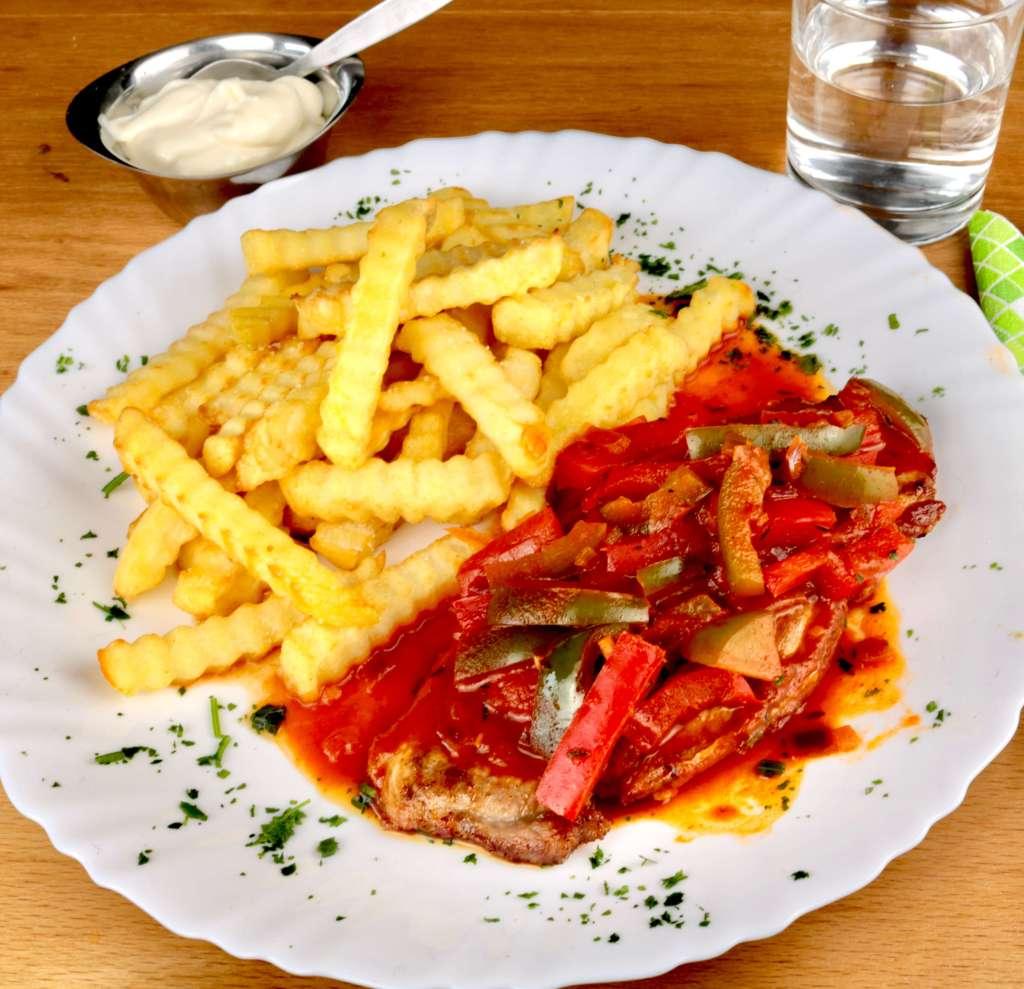 Serviervorschlag Puszta Schnitzel