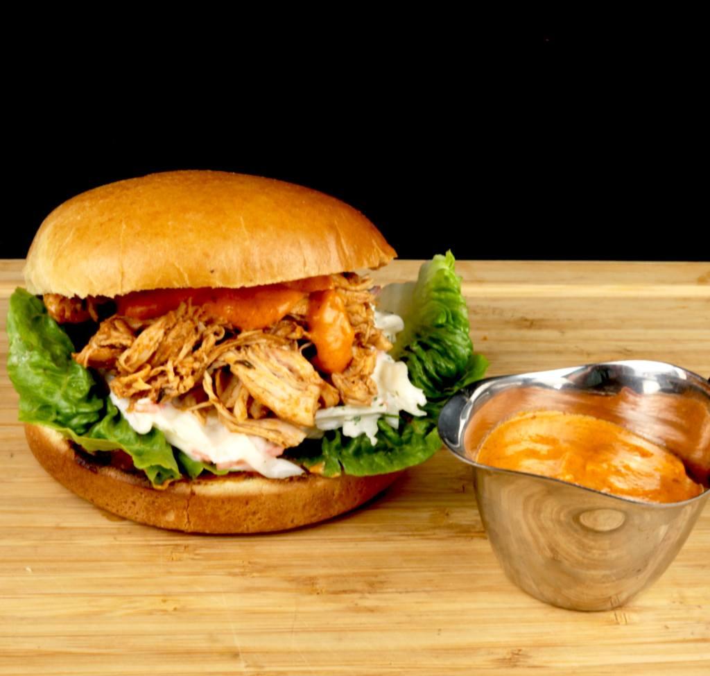 Zubereitung Metaxa Pulled Chicken Burger