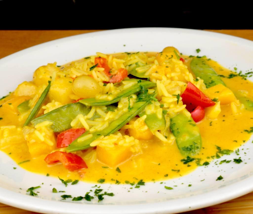 Fruchtige Curry Reispfanne ein vegetarisches Sommer Gericht