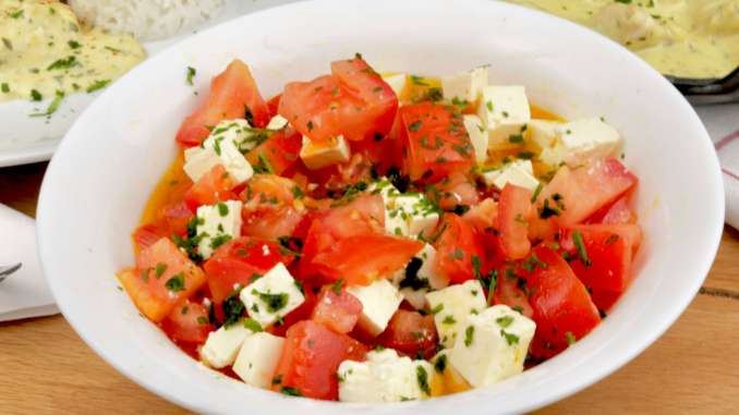 Tomatensalat mit Feta Käse