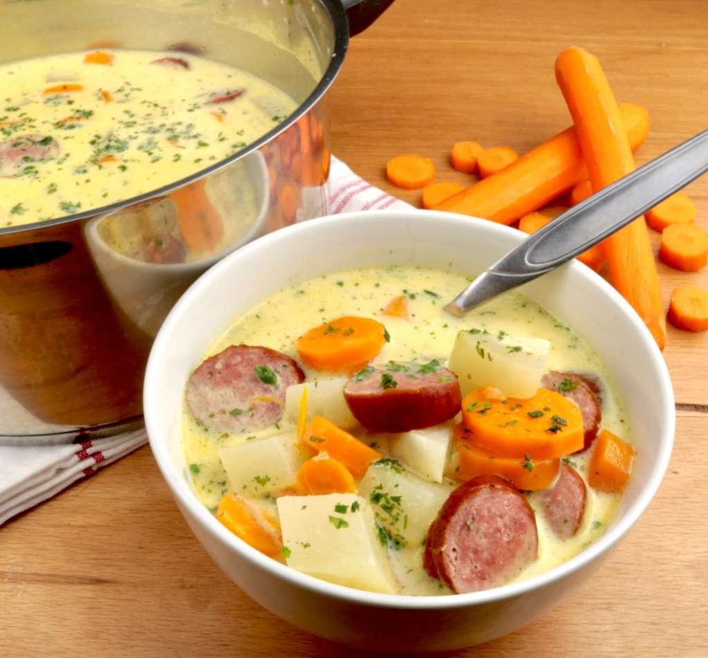Zubereitung Kohlrabi Karotten Eintopf mit Cabanossi