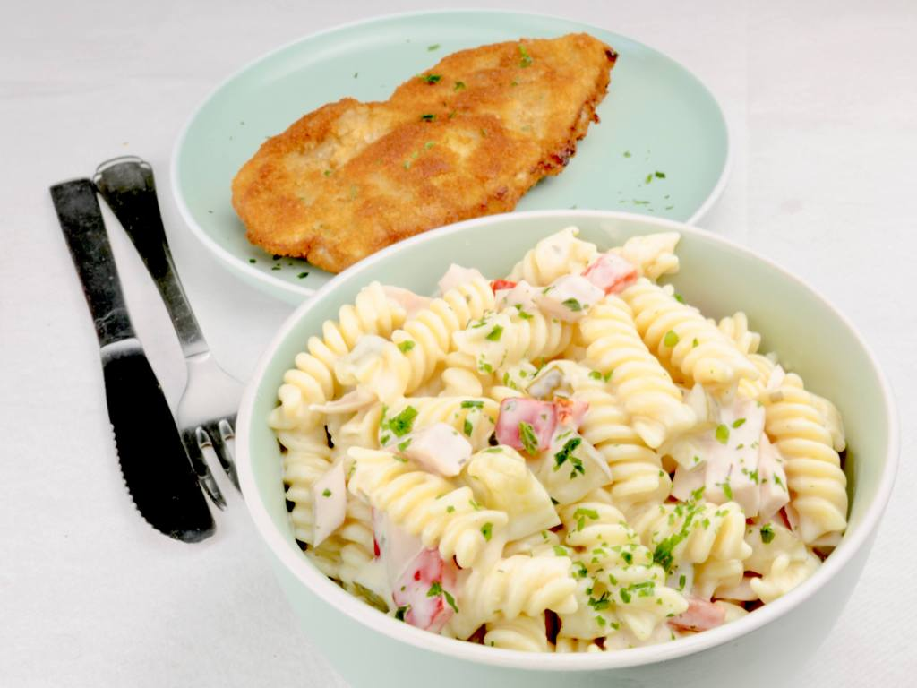 Nudelsalat mit Fleischwurst