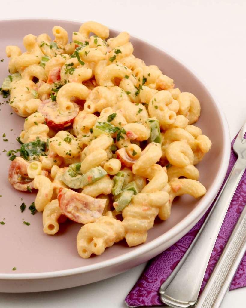Serviervorschlag Pesto Calabrese Nudelsalat