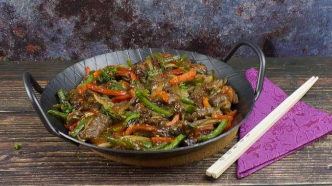 Asiatische Rindfleisch Paprika Pfanne